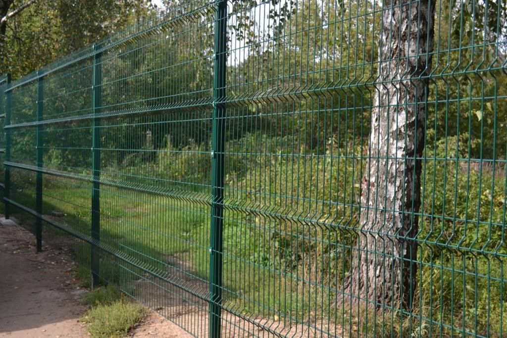 Забор из 3d сетки от 2500 рублей метр погонный
