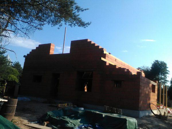 Дом 11х12 из кирпичных блоков и облицовка кирпичом с расшивкой